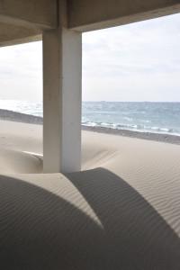 Nikon Digital Camera D700 砂紋と初春の海