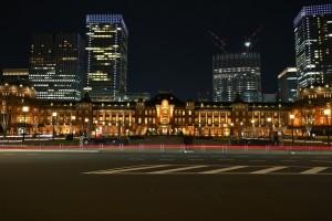 Nikon Digital Camera 欅と日本のセントラルステーション=けやきとにほんのせんとらるすてーしょん ※植栽と広場は相性バツグンですね☆ JR東日本さんのサイトに以前の東京駅前と現在の植栽された図がありましたので、興味ある方はご覧になってみてくださいませ(^^) https://www.jreast.co.jp/press/2014/20140704.pdf ケヤキちゃんは人気なのですね♪